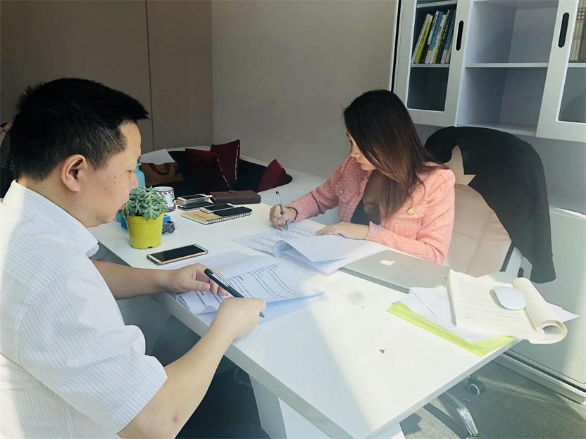 热烈庆祝大御诚与全国第一家抖音培训机构签约股权设计服务协议